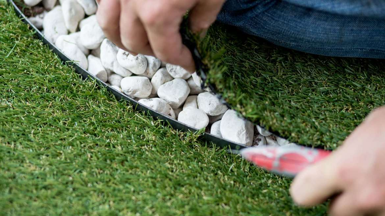Come mantenere perfetta l'erba sintetica
